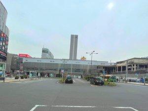 中央改札口のバスロータリー広場