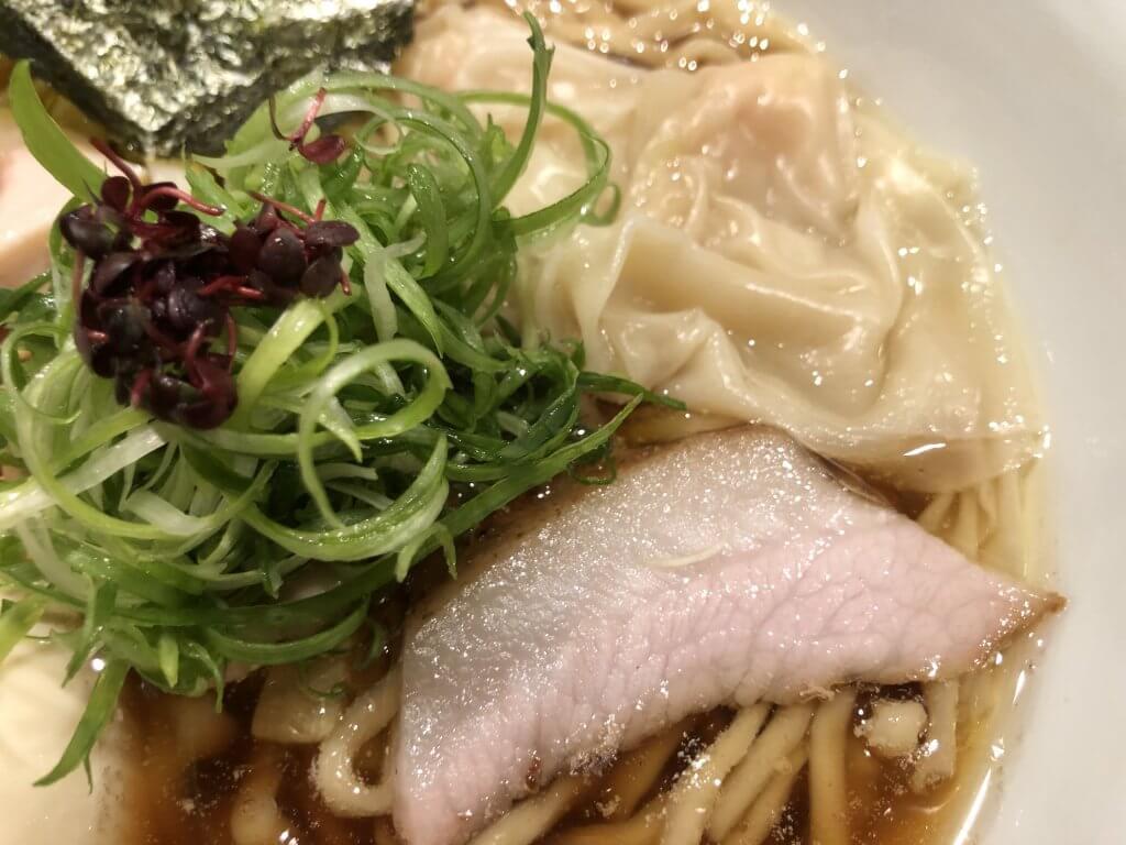 特製麺 ワンタン、豚チャーシュー