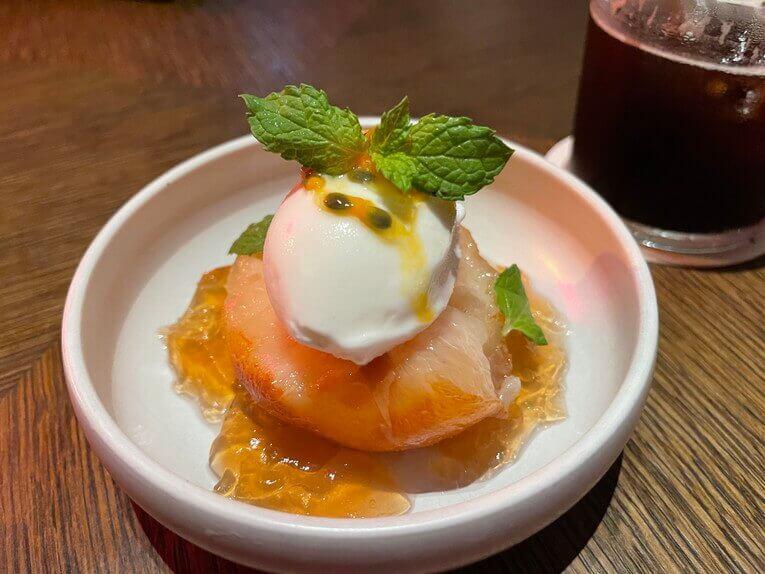 桃のコンポートヨーグルトソルベ